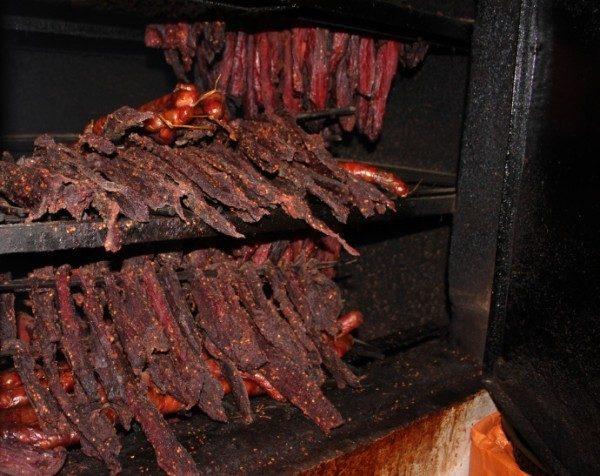 cách làm thịt trâu gác bếp Sơn La