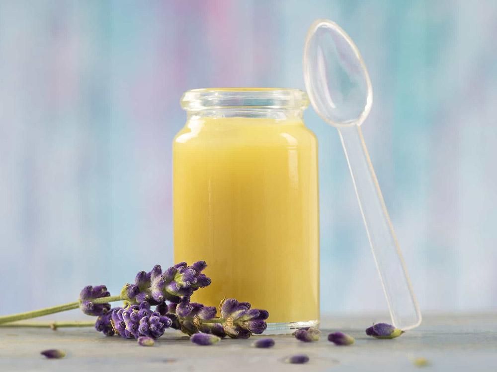 Mua sữa ong chúa ở Hà Nội